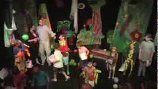 Divadlo hrou – Papoušek má jedničky! (video)