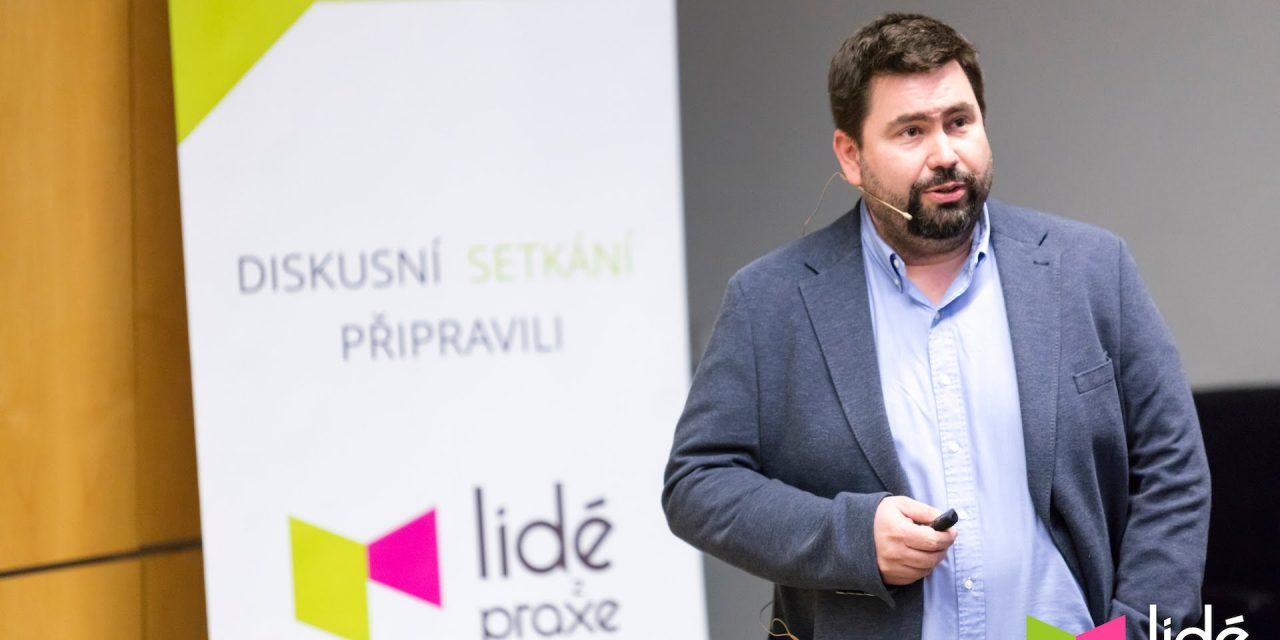 Jakub Petřina – I banku můžete mít rádi | LIDÉ Z PRAXE (video)