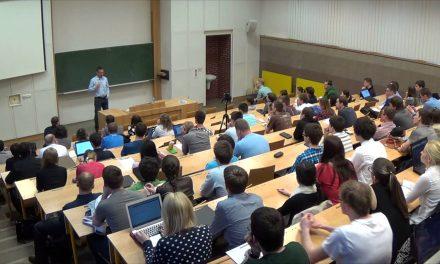 Daniel Gladiš – Proč je akciové investování jednoduché, ale není snadné (video)