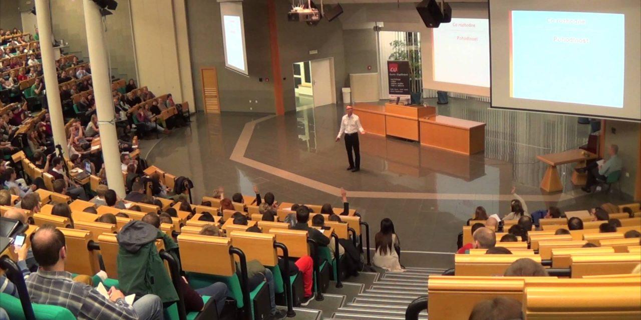 Peter Urbanec – Najděte odvahu pro změnu (video)