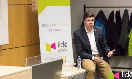 Petr Andrýsek – Nauč svou firmu plavat na vlnách sociálních sítí | LIDÉ Z PRAXE (video)